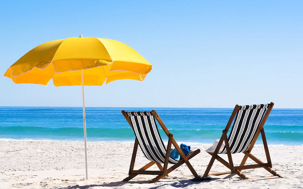 Creating The Perfect Beach Bag And Other Beach Hacks Plan Your Perfect Vacation